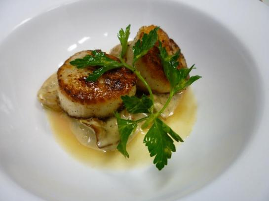 Seared Scallops With King Oyster Mushroom Vinaigrette At Schooner Exact