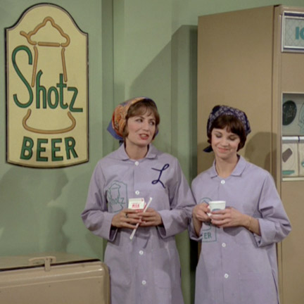 Laverne & Shirley Working At Shotz Brewery In Wisconsin
